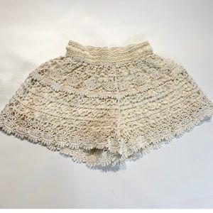 Blue Island | Knitt Beige Shorts Medium Cream  A10